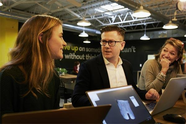 Discussion around laptops